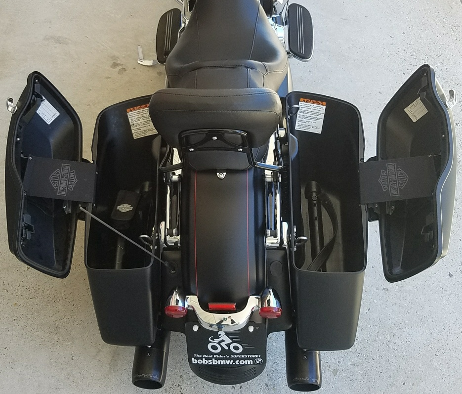2016 HARLEY-DAVIDSON STREET GLIDE | Bob's BMW Motorcycles