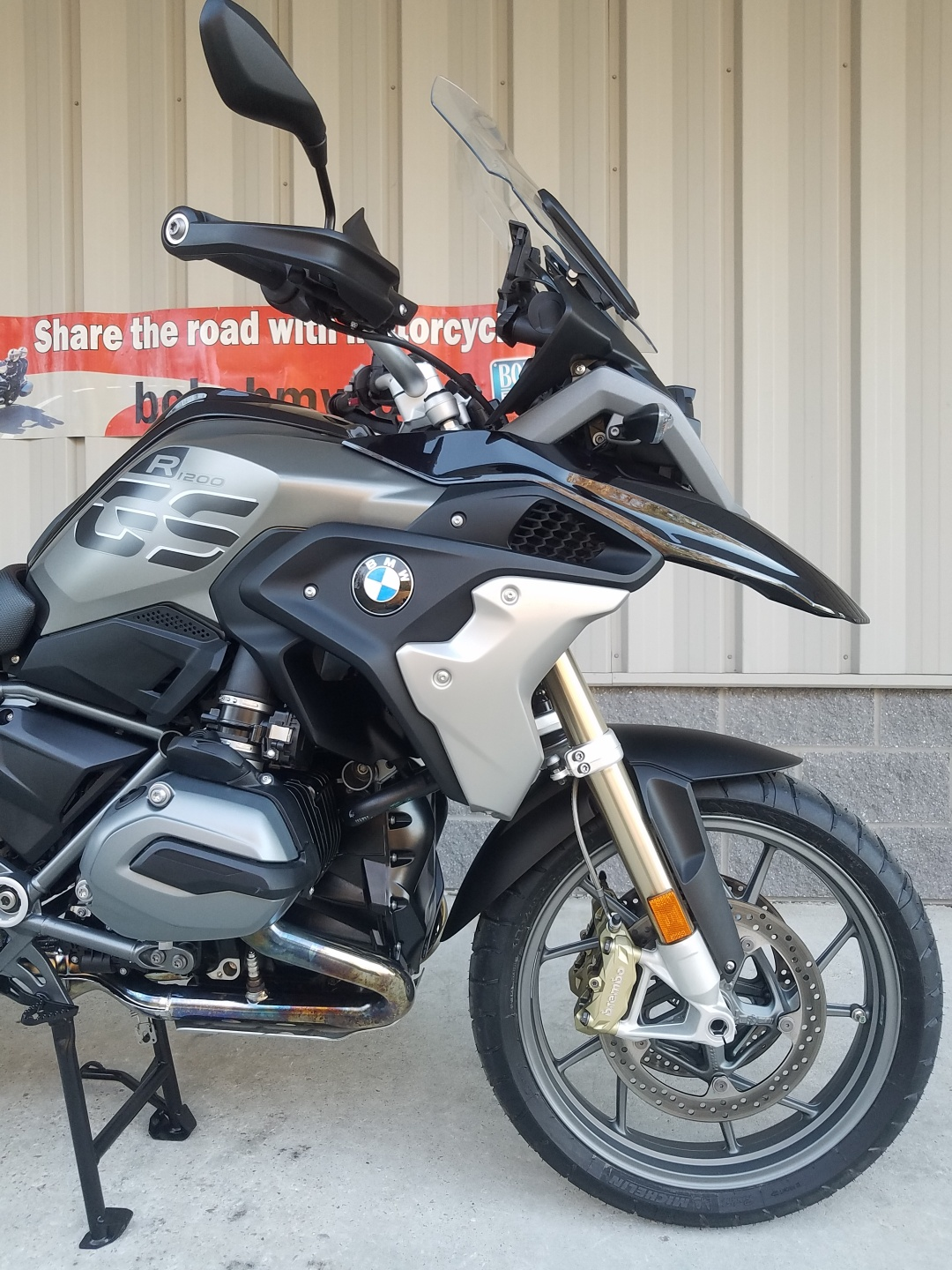 "Bmw R1200gs Adventure Triple Black 2017 Review: 2017 BMW R1200GS Exclusive ""Espresso"""