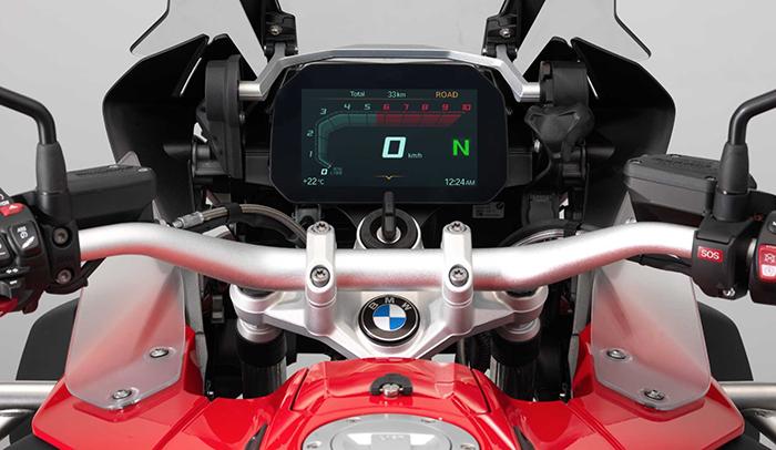BMW presents connectivity